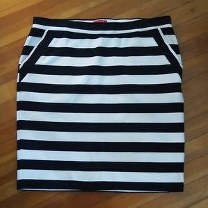 Elle Stripped Knit Skirt